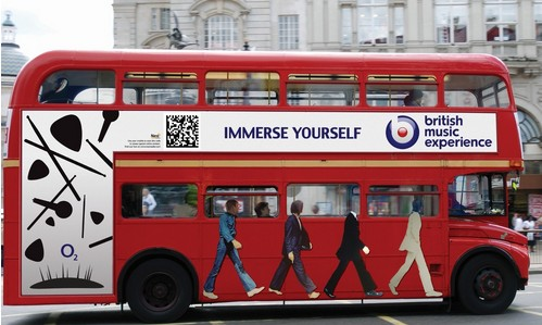 公交车车身广告投放优势分析