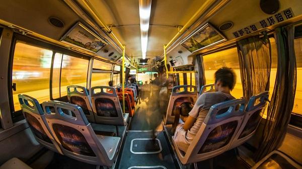 公交车车厢广告位:让广告投放更精准有效