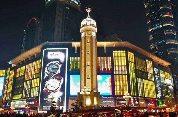 解放碑广告屏幕价格_重庆解放碑大屏幕广告投放