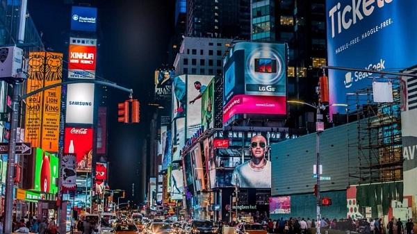 户外媒体向数字化转型,广告投放策略深化革新