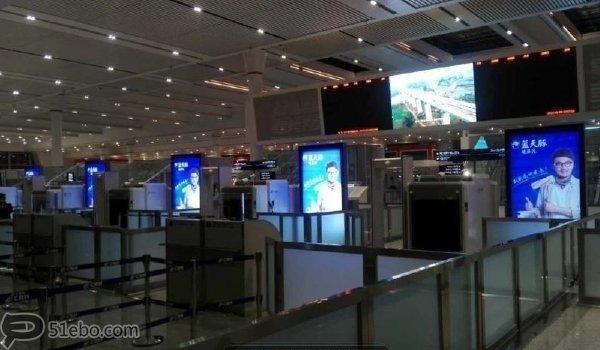 深圳市福田高铁站安检口滚动灯箱广告