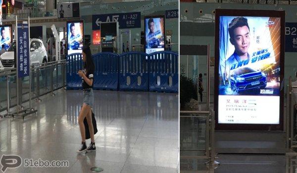 深圳市深圳高铁北站安检口滚动灯箱广告