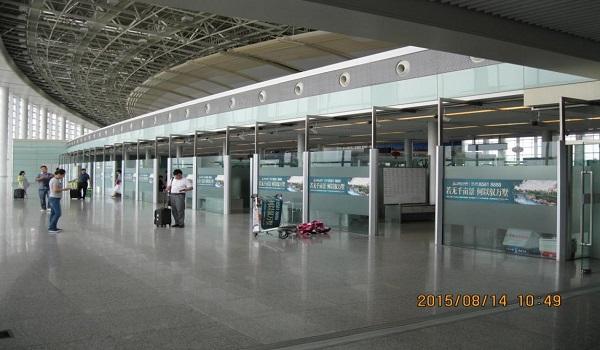 南昌市昌北国际机场出发大厅腰贴广告位