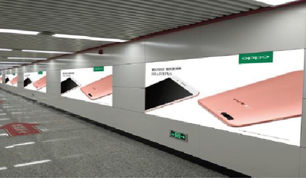 长春市地铁一号线十二封灯箱广告