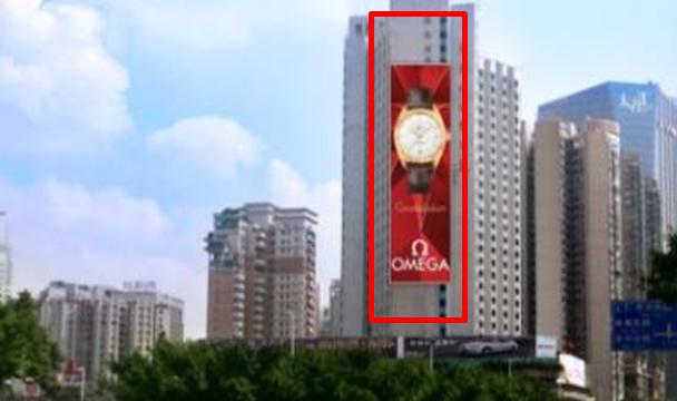 广州市天河商圈天河路与体育东路交汇十字路口LED广告