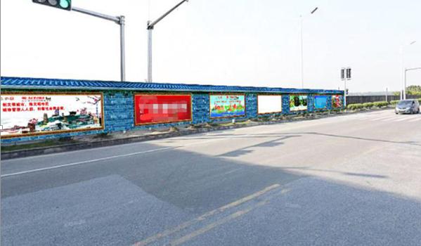 佛山市澜石大桥底围挡大牌广告-易播网